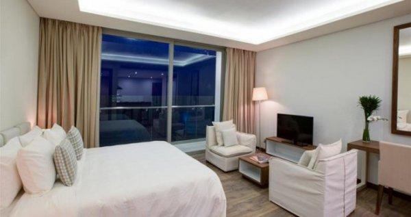 Khách sạn Alacarte