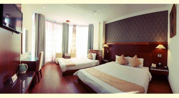 Khách sạn ADINA